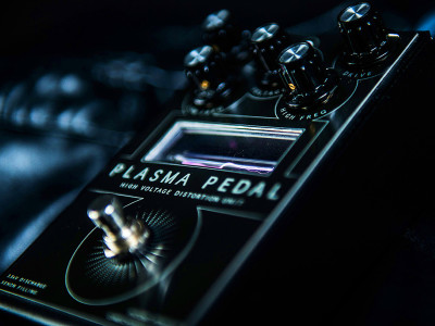 Gamechanger Audio Promotes New Guitar Distortion PLASMA Pedal with Xenon-Filled Tube