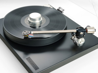 Bryston Believes Vinyl Is Serious Business and Introduces BLP-1 Turntable