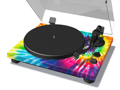 "TEAC New TN-420 Turntable Delivers Modern Performance and ""Summer of Love"" Style"