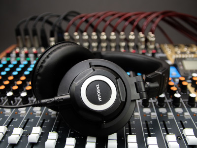 Tascam Launches TH-07 High-Definition Monitoring Headphones