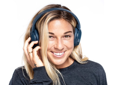 Eastman Tritan Copolyester Creates Ultradurable Headband for New Skullcandy Riff Wireless On-Ear Headphones