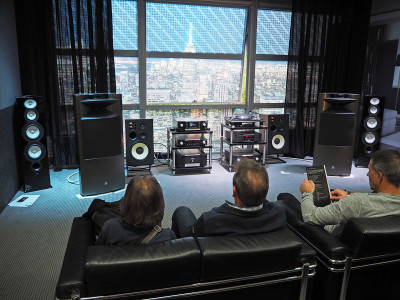 New Mark Levinson 5000 Series Integrated Amplifiers and Integrated Streaming SACD Player and DAC