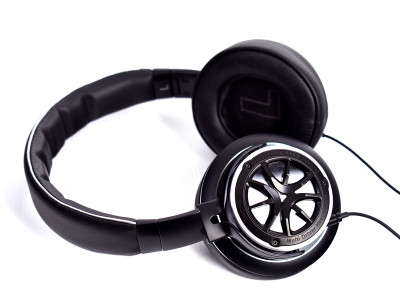 Fresh From the Bench: 1MORE Triple Driver Over Ear Headphones