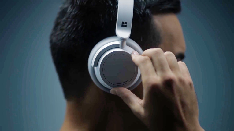 3cd7fe14548 Apart from the noise-cancellation, the Surface Headphones were designed to  integrate with Microsoft's own Voice Personal Assistant, Cortana.