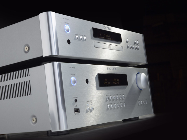 Rotel Introduces New High Performance 15 Series Stereo