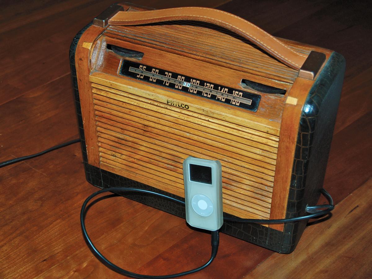 Antique Radios As Amplifiers