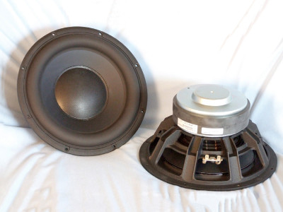 """Test Bench: Scan-Speak Discovery 26W/4558T00 10"""" Aluminum Cone Subwoofer"""