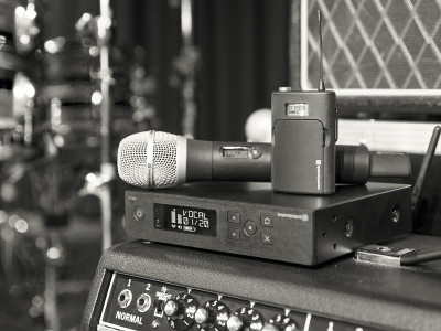 Wireless Microphone Market will Account for Revenues Worth USD $4.5 Billion by 2028