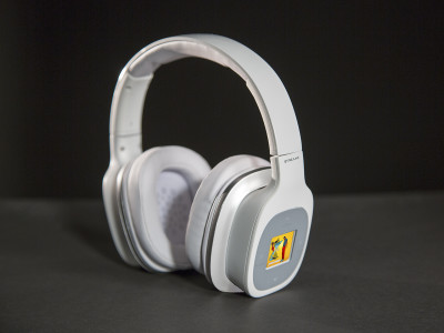 Streamz Promotes Voice Controlled Headphones with Wi-Fi and Integrated Hi-Res Audio Player