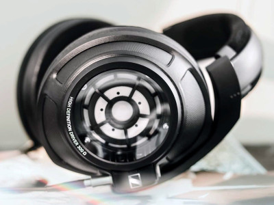 Sennheiser Teases Music Enthusiasts with New HD 820 Closed-Back Dynamic Stereo Headphones