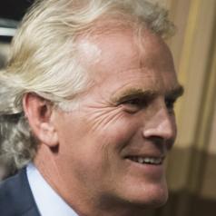 Bart Hartman heft protestkeurmerk KGD nog niet op: 'Toezicht Erkenningsregeling oude wijn in nieuwe zakken'