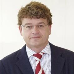 Estafettecolumn Guus Loomans: Gedraag je vaker als een 'dom blondje': vraag eens om hulp?