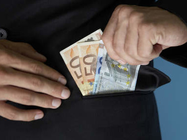 Gevluchte fraudeur kunstfonds komt terug
