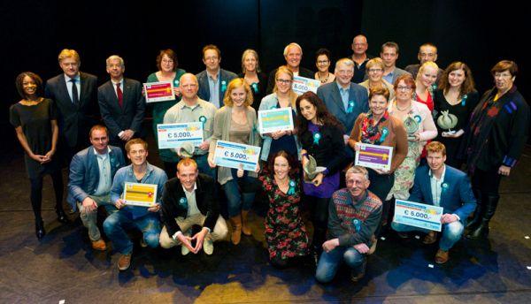 Vrijwilligersprijzen 2013 uitgereikt