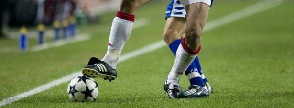 Betaald voetbal haalt meer geld uit sponsoring