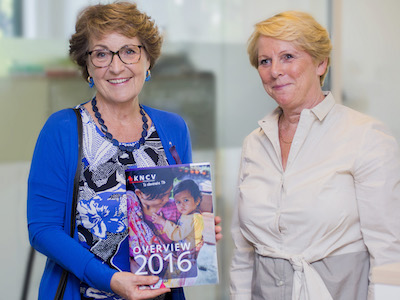 Prinses Margriet en KNCV directeur Kitty van Weezenbeek
