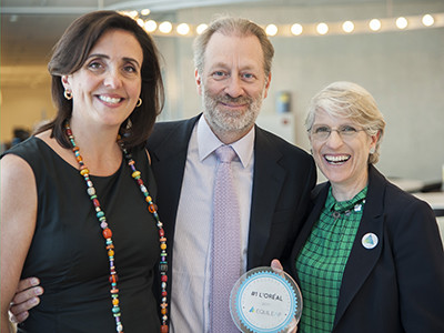 Van Links naar rechts: Diana van Maasdijk CEO & Co-Founder Equileap; Jean Claude Le Grand (L'Oréal); Jo Andrews Co-founder Equileap en Director of Social Impact.  Fotograaf: Annette van Citters.