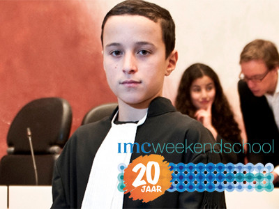 IMC Weekendschool werd opgericht in 1998. Wekelijks worden 1.500 leerlingen bereikt.