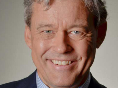 Bekijk de De Dikke BlauweTV Capitoolgesprekken: interviews door Charles Groenhuijsen