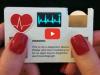 Elektrocardiograaf met het formaat van een visitekaartje