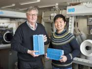Prof. Dag Noreus und Dr. Yang Shen. Bild: Niklas Björling / Stockholm University.
