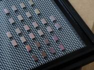 Een verzameling mini-spectrometer-chips (foto: Felice Frankel).