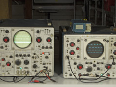 Tektronix 556 and 565 Dual-beam Oscilloscopes