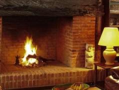 Build a 4-season, Santa-safe virtual fireplace