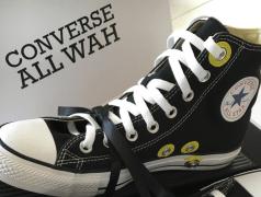 Wah-Wah in Sneakers von Converse