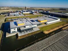 Das Fabrikgebäude von tbp electronics in Dirksland.