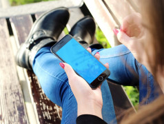 Heftige Handynutzung offenbar nicht schlimm. Bild: pixabay.com, Free-Photos
