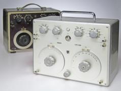 deux générateurs de signaux audio Philips GM2308 (1950, 1964)
