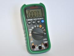 Banc d'essai : multimètre Mastech MS8238H avec module Bluetooth