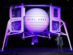 Jeff Bezos, PDG d'Amazon, présente sa sonde lunaire