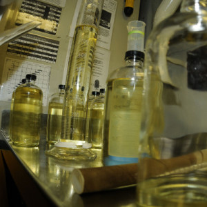 Laboratory for biofuel. Image: US Navy - public domain.