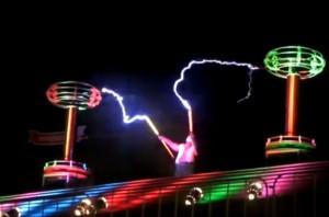 Tesla-Videos: Spulen, Blitze & Musik