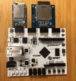 Arty FPGA Board mit Pmod WiFi auf der linken Seite und Pmod SDcard Slot auf der rechten Seite.