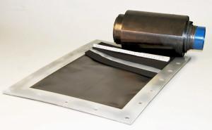 Redox-Flow-Zelle mit 2.500 cm2 und spezielle flexible Bipolarplatte. Bild: UMSICHT/Fraunhofer.