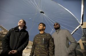 Die Forscher (v.l.n.r.): Sophia Haussener, Saurabh Tembhurne und Fredy Nandjou (Foto: Marc Delachaux / EPFL)