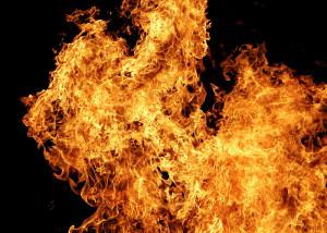 Brände können u.U. auch durch Vakuum bekämpft werden. Bild: Fir0002/Flagstaffotos