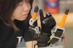 Deux doigts de robotique