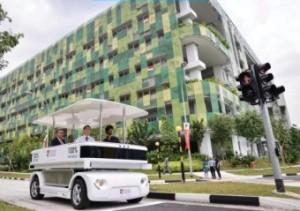Une navette électrique robotisée française dans les rues de Singapour