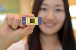 Production en grande série de la première mémoire flash NAND verticale 3D