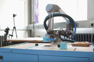 Le robot-mère améliore ses créations à chaque génération.