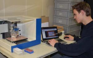 Zelf printen maken met de Elektor PCB Prototyper