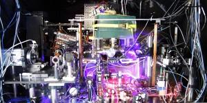 Experimentele atoomklok met hoogste precisie en stabiliteit