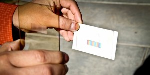Goedkoop optisch element verhoogt rendement van zonnecellen met 50%