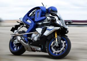 Motobot rijdt motor sneller en beter dan mens?