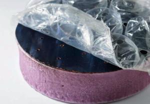 De combinatie van spons, zwarte oppervlakte + bubbeltjesplastic produceert stoom met zonne-energie. Foto: MIT