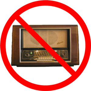 FM-radio's binnenkort verboden? Afbeelding: Eckhard Etzold / Wikimedia; bewerkt